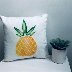 Bundle this!! Decorative Pineapple Pillow